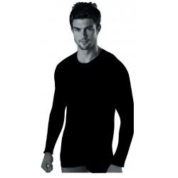 Camiseta térmica de mangalarga y cuello redondo. Interior afelpado.